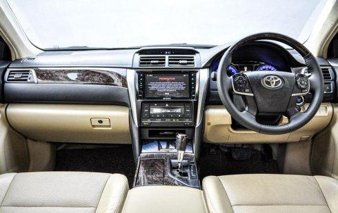 Jual mobil bekas Toyota Camry 2.5 V 2016 di Depok