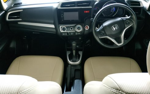 Jual Mobil Bekas Honda Jazz RS 2014 Terawat di Bekasi