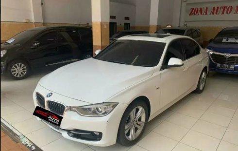 Jual Cepat BMW 3 Series 328i 2014 di Sulawesi Selatan