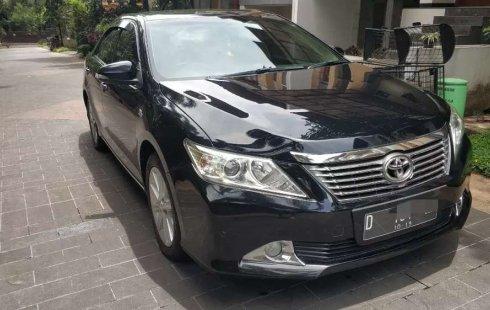 Jual Toyota Camry V 2012 harga murah di Jawa Barat