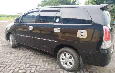 Mobil Toyota Kijang Innova 2011 2.0 G terbaik di Jawa Tengah