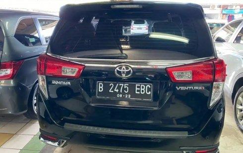 Jual Mobil Bekas Toyota Kijang Innova Venturer 2017 di DKI Jakarta