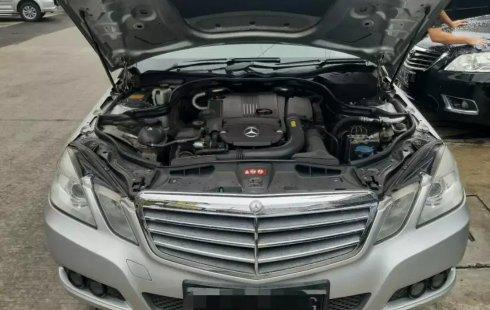 Dijual Mobil Mercedes-Benz E-Class E 200 2011 di Bekasi