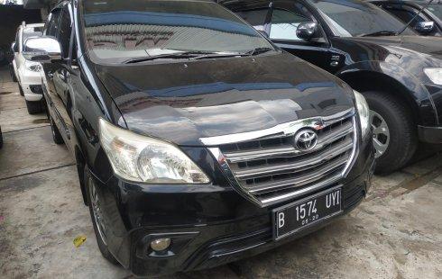 Dijual cepat mobil Toyota Kijang Innova 2.0 G AT 2015 di Bekasi