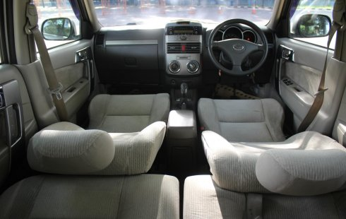 Dijual mobil Daihatsu Terios TX 2010 Terbaik di DKI Jakarta