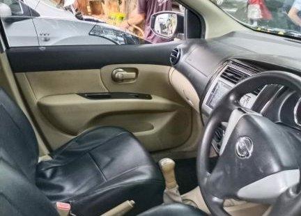 Dijual cepat Nissan Grand Livina SV 2017 Bekasi