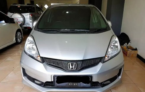Dijual Mobil Bekas Honda Jazz RS 2011 di Jawa Tengah