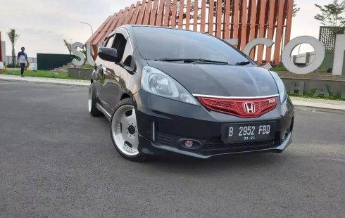 Dijual Mobil Honda Jazz RS AT 2010 di Bekasi