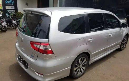 Jual Mobil Bekas Nissan Grand Livina XV Highway Star 2017 di Bekasi
