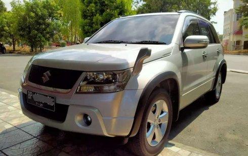 Mobil Suzuki Grand Vitara 2010 2.0 dijual, Pulau Riau