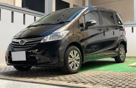 Dijual Cepat Honda Freed SD AT 2013 di Bekasi