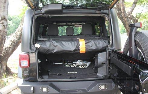 Dijual Mobil Jeep Wrangler Rubicon 2012 di DKI Jakarta