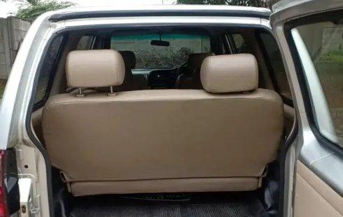 Jual Mobil Bekas Isuzu Panther LM MT 2012 di Bekasi
