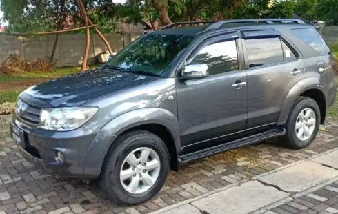 Dijual Cepat Toyota Fortuner G AT 2010 di Bekasi