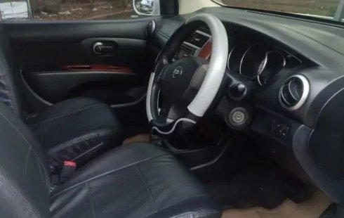Dijual Cepat Nissan Grand Livina Highway Star AT 2013 di Bekasi