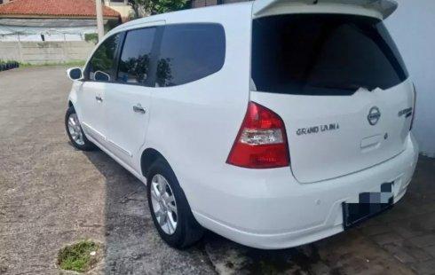 Dijual Cepat Nissan Grand Livina Ultimate AT 2012 di Bekasi