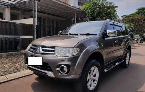 Depok, Mobil bekas Mitsubishi Pajero Sport Dakar AT 2014 dijual