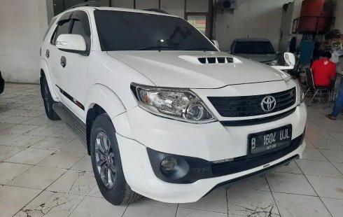 Jual Cepat Toyota Fortuner TRD AT 2015 di Bekasi