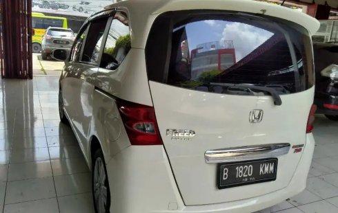 Jual Cepat Mobil Honda Freed PSD AT 2011 di Bekasi