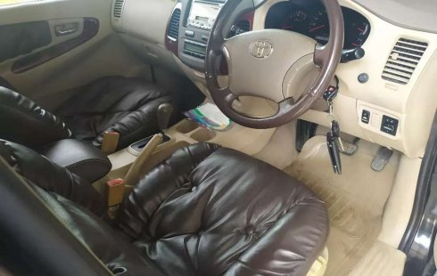 Jual Toyota Kijang Innova V 2006 harga murah di DKI Jakarta