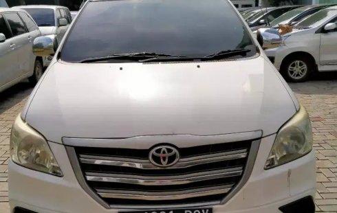 Dijual Cepat Toyota Kijang Innova 2.0 E MT 2014, Bekasi