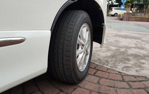 Jual mobil Daihatsu Luxio X 2017 terbaik, DIY Yogyakarta