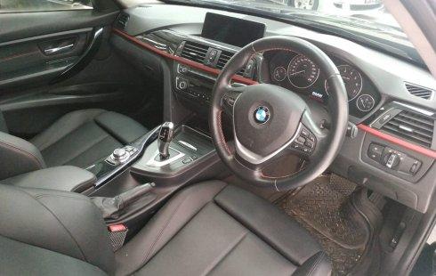 Dijual cepat BMW 3 Series 320i Sport F30 AT 2013 bekas, DIY Yogyakarta