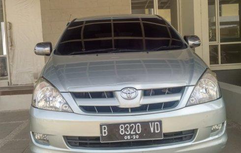 Dijual mobil Toyota Kijang Innova 2.0 G Bensin Matic 2005 Istimewa, Bekasi