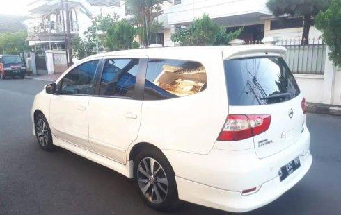 Dijual cepat Nissan Grand Livina Highway Star AT 2015 terbaik, DKI Jakarta