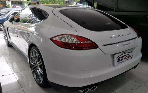 Mobil Porsche Panamera 2012 dijual, Jawa Timur