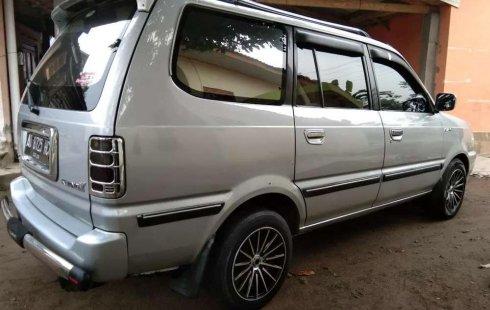 Mobil Toyota Kijang 2001 LGX-D terbaik di Jawa Tengah