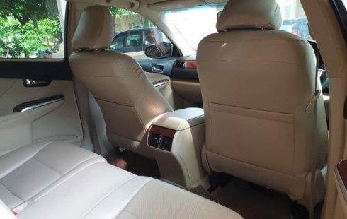 Jual Mobil Toyota Camry V 2014 Terawat di Bekasi