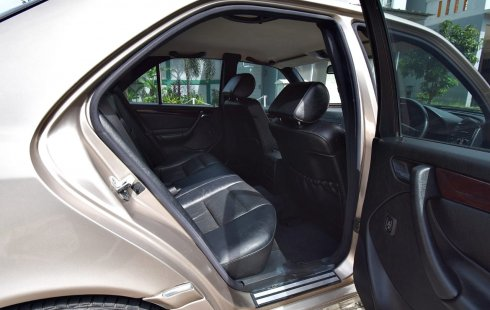 Dijual Cepat Mercedes-Benz C-Class C 240 2000 di DKI Jakarta