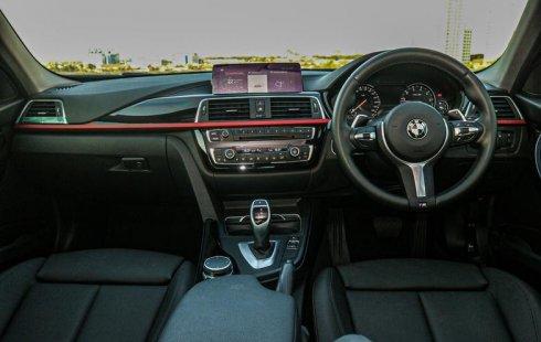 Jual Mobil Bekas BMW 3 Series 320i 2018 di Depok