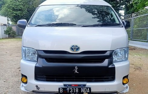 Dijual Cepat Toyota Hiace High Grade Commuter 2019 di Bekasi