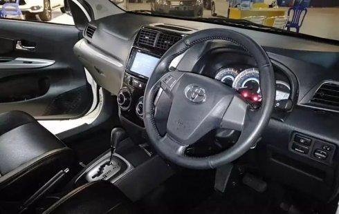 Jual Mobil Toyota Avanza Veloz AT 2017 di Jawa Timur