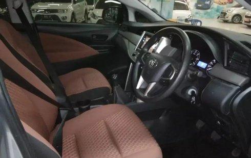 Dijual Mobil Toyota Kijang Innova 2.4G Diesel MT 2018 di Jawa Timur
