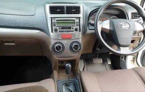 Dijual cepat Daihatsu Xenia R AT 2016 bekas, DKI Jakarta