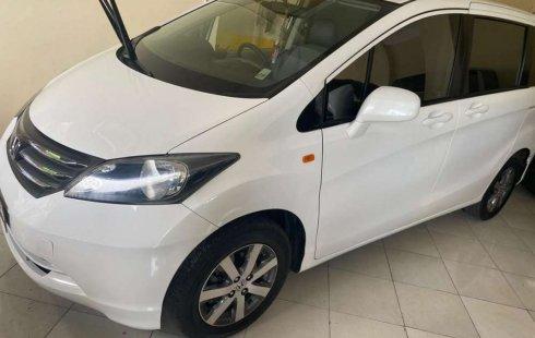 Honda Freed 2010 Bali dijual dengan harga termurah