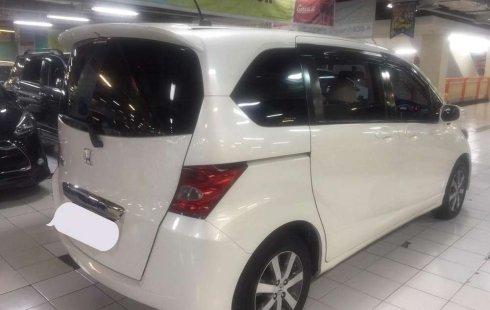 Jual Honda Freed 1.5 2010 harga murah di Jawa Timur