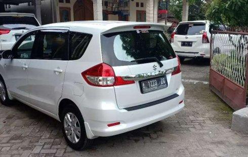 Mobil Suzuki Ertiga 2017 GL terbaik di Jawa Timur