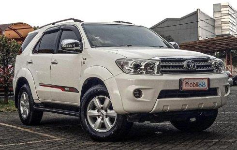 Dijual Cepat Toyota Fortuner G 2010 di Jawa Barat