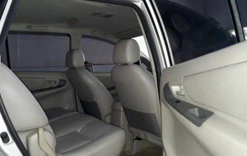 Dijual cepat Toyota Kijang Innova 2.5 G Diesel AT 2011 bekas, Jawa Timur