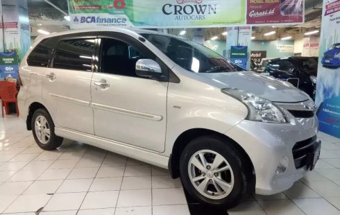 Dijual cepat Toyota Avanza Veloz AT 2013, Jawa Timur