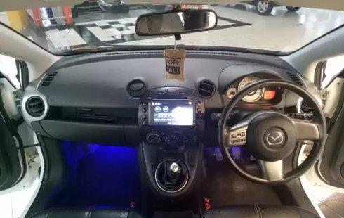 Dijual cepat Mazda 2 R MT 2012, Jawa Timur