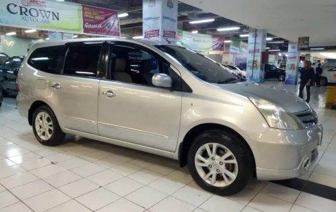 Dijual cepat Nissan Grand Livina XV AT 2011, Jawa Timur