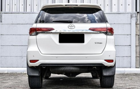 Jual Mobil Toyota Fortuner VRZ 2018 di Depok