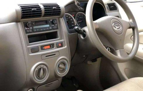 Jawa Timur, jual mobil Daihatsu Xenia Li DELUXE 2011 dengan harga terjangkau