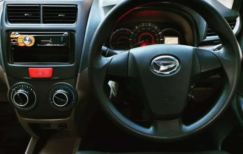 Mobil Daihatsu Xenia 2015 dijual, Jawa Timur
