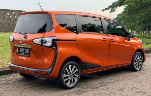 Jual mobil bekas murah Toyota Sienta V 2017 di Jawa Barat